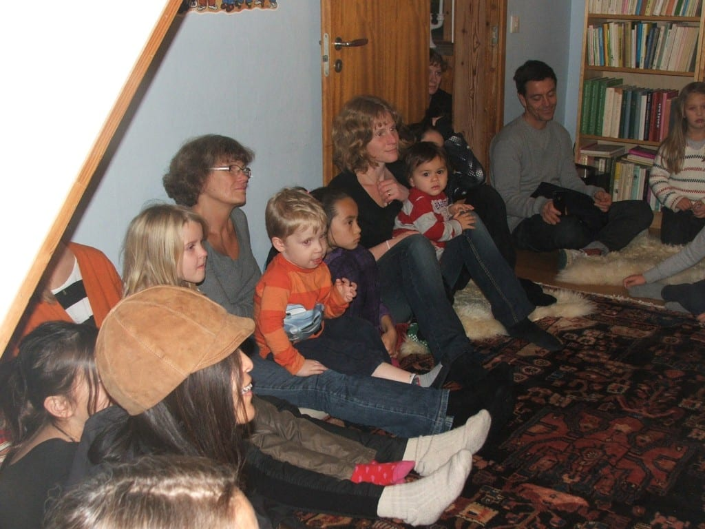 Golvet i Boklängans läsrum fylldes av både unga och äldre lyssnare