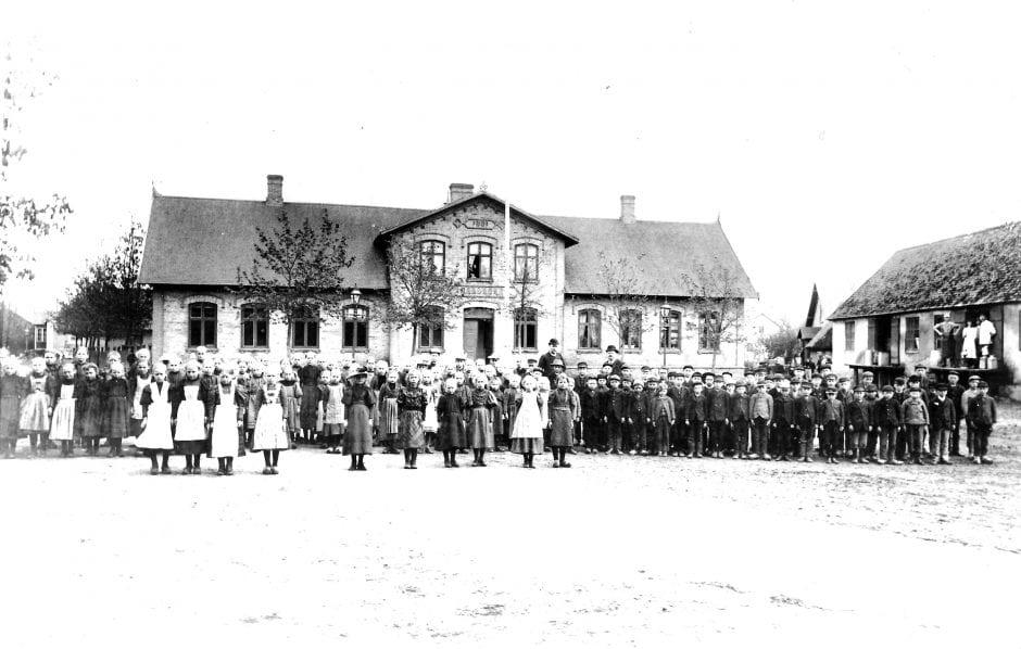 Borrby skola, mejeri och badhus tidigt 1900-tal (1)