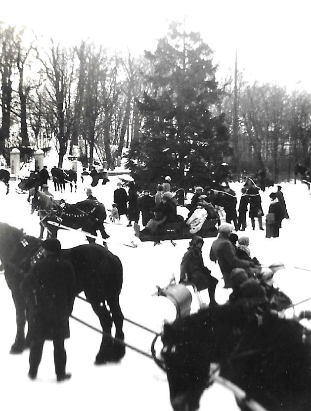 Borrby slädparti vid Korsoren sl av 1920-talet (2)